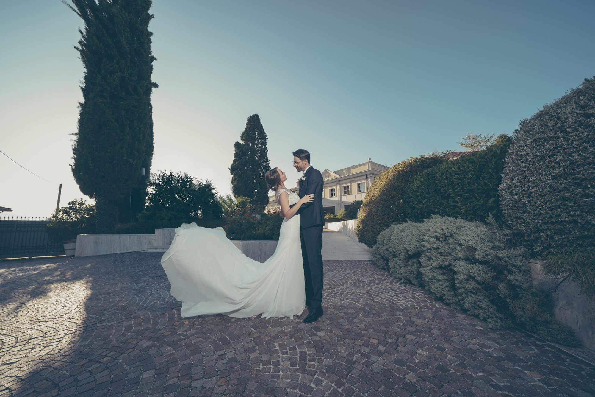 LUXURY WEDDING IN VILLA ORSINI, MIRABELLA ECLANO , ITALY